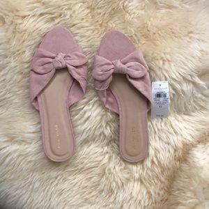 Ann Taylor Bow sandals